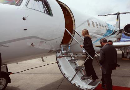 hiring charter plane