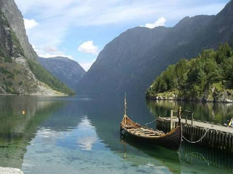 Norway a country of northern lights fjords and vikings