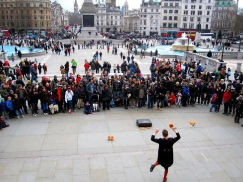 trafalgar square street performers