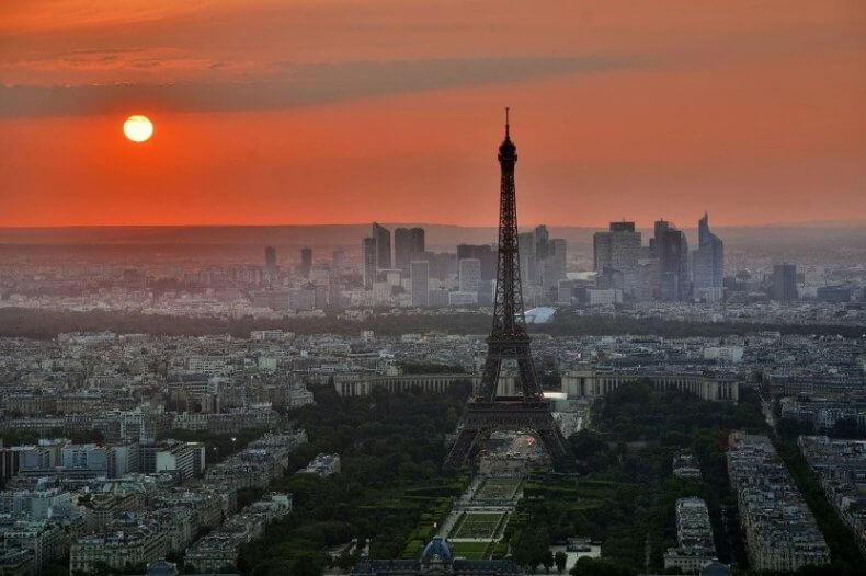 organize a trip to France